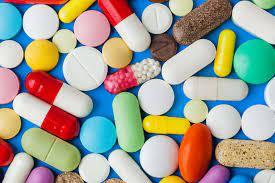 les personnes âgées accro aux drogues et aux médicaments.A qui la faute ?